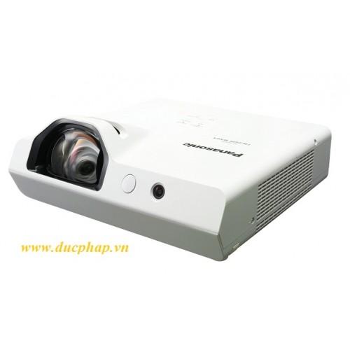 Máy chiếu Short Throw Panasonic PT-TW341R